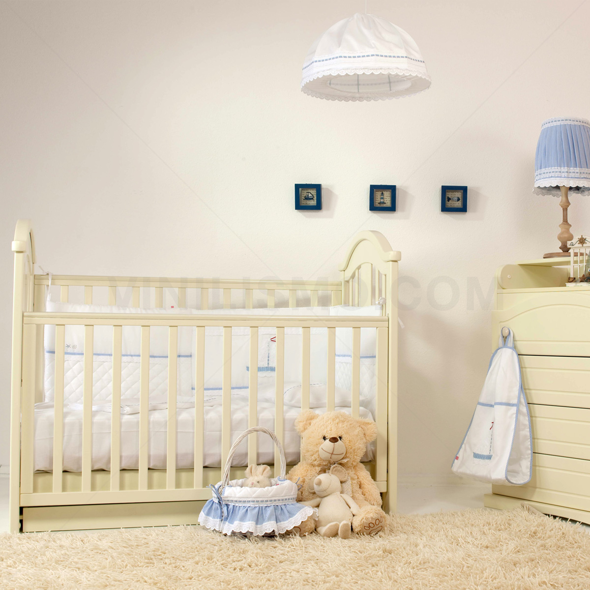 Following Bedroom Decor, Many Parents Choose To Place Kids Wall Decals  This Kind Of Vinyl, Besides Being Very Easy To Install And Remove, Will  Provide The